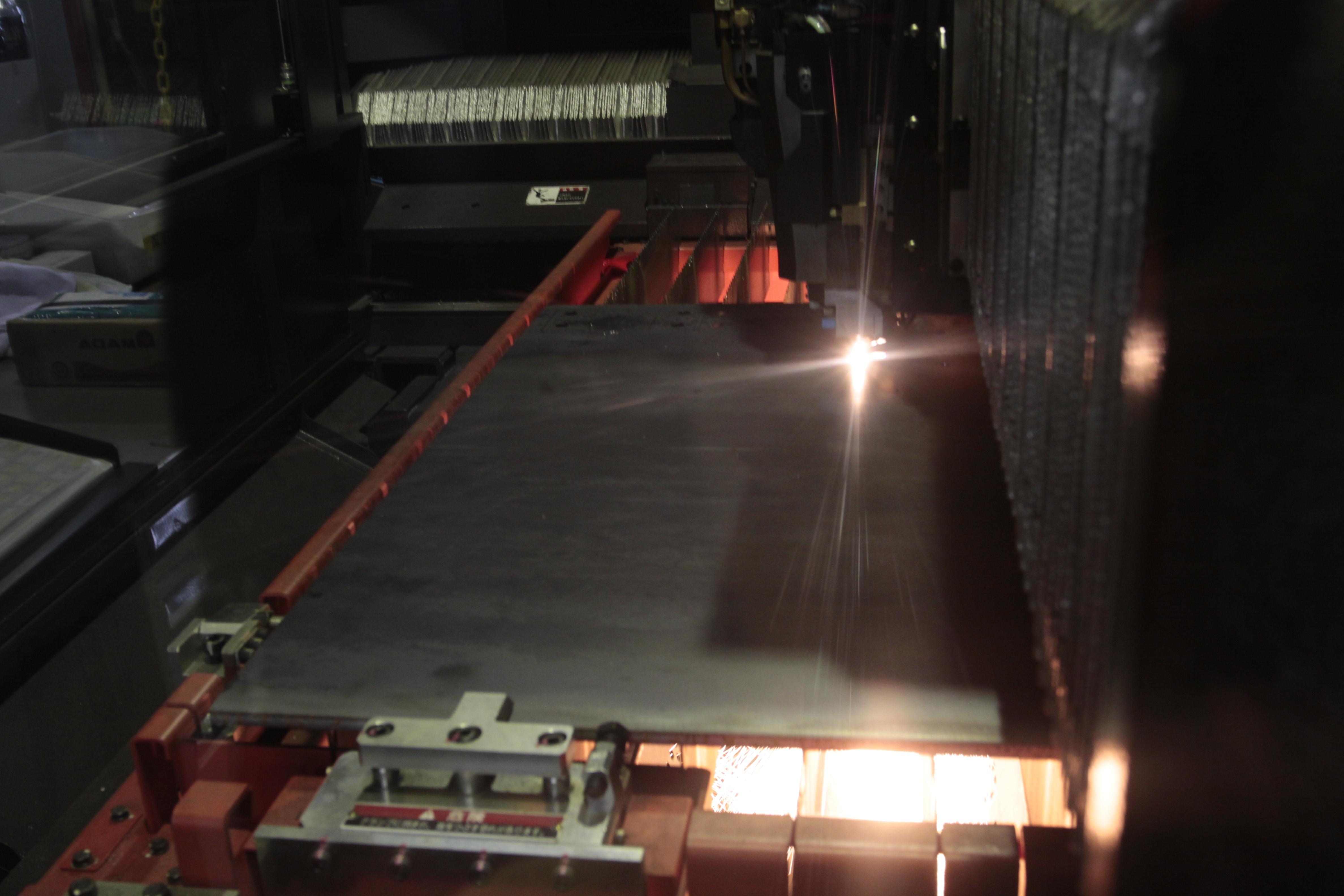 高精度レーザー加工