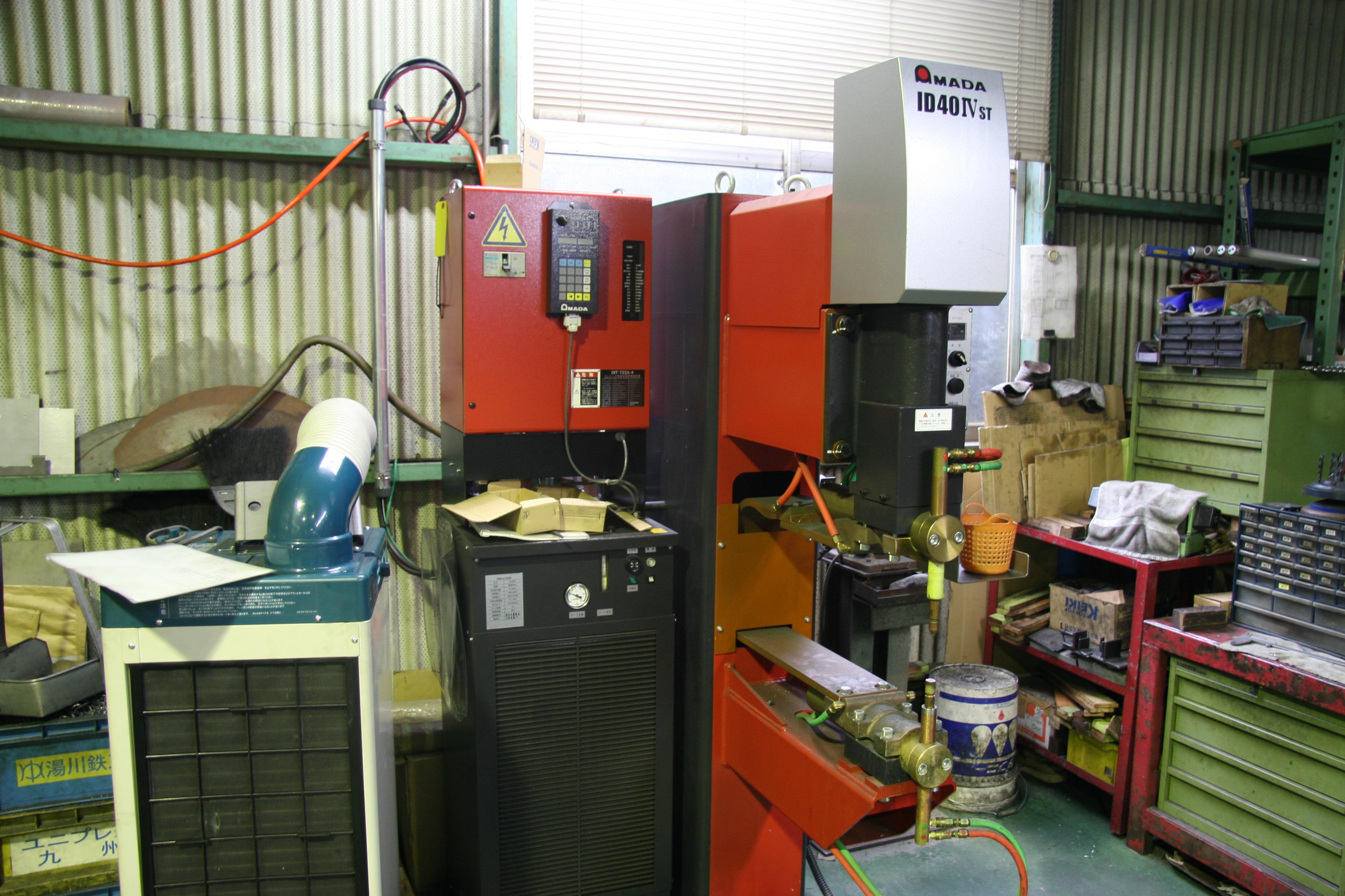 インバータースポット溶接機